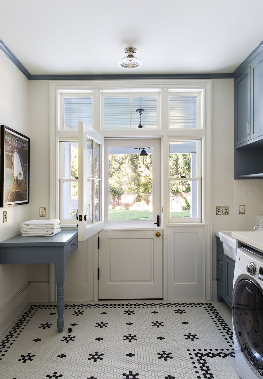 laundry room dering hall