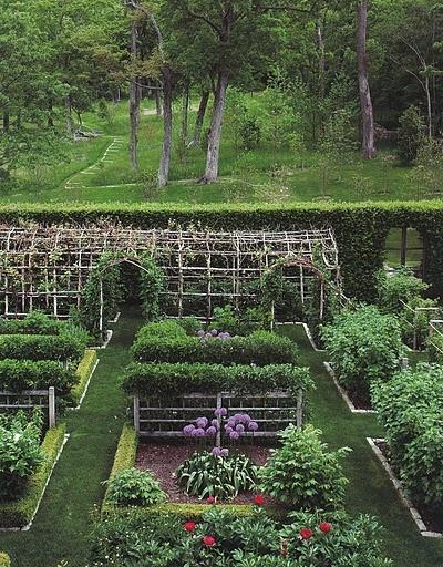 1 beautiful garden decors