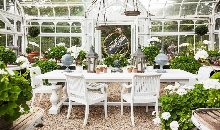 create an outdoor space for Spring