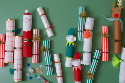 party crackers Christmas traditions
