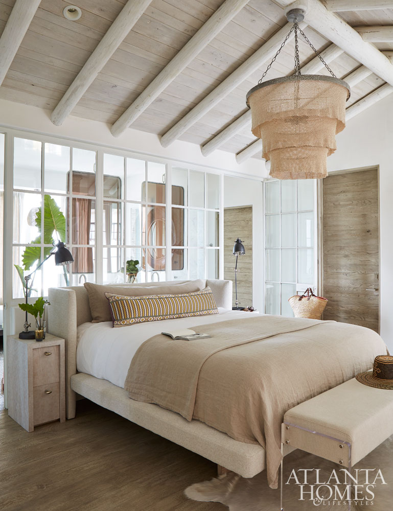 relaxing neutral bedroom