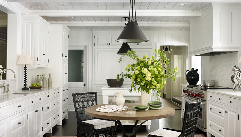 William Litchfield Designs dine-in kitchen