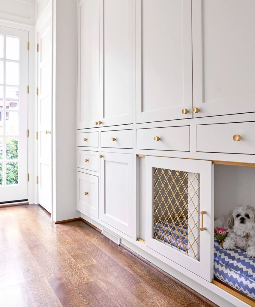 Collins interiors kennel with mesh wire detail