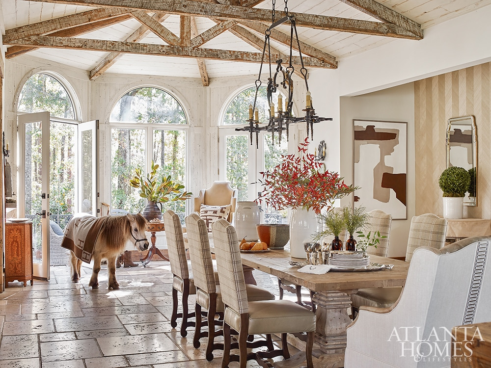 country house breakfast room with beams