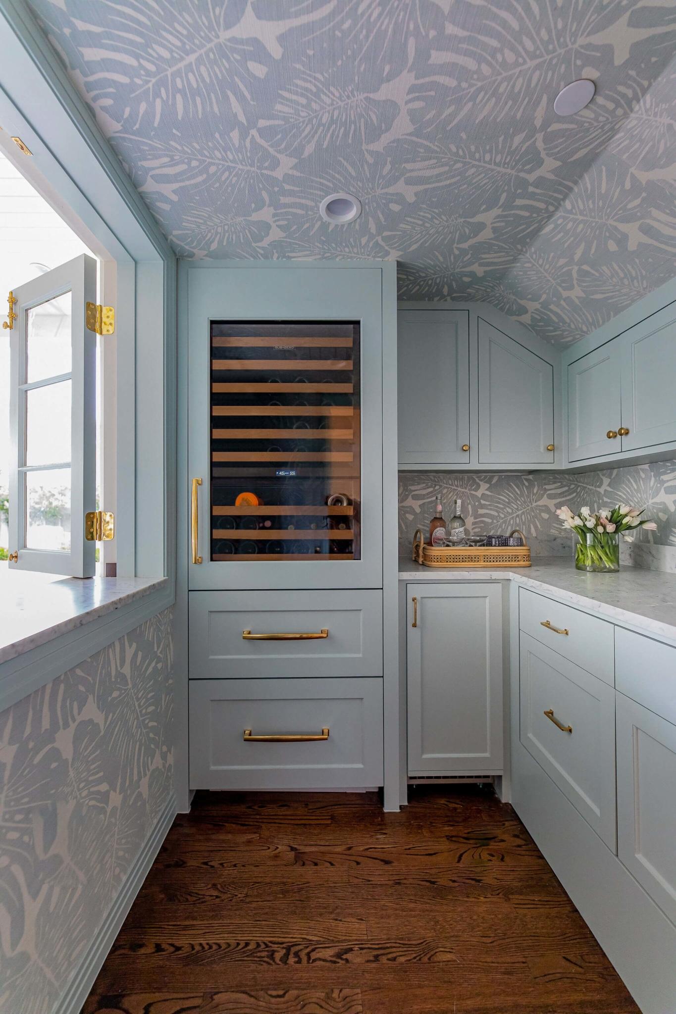 Lisa Henderson Interiors butler's pantry