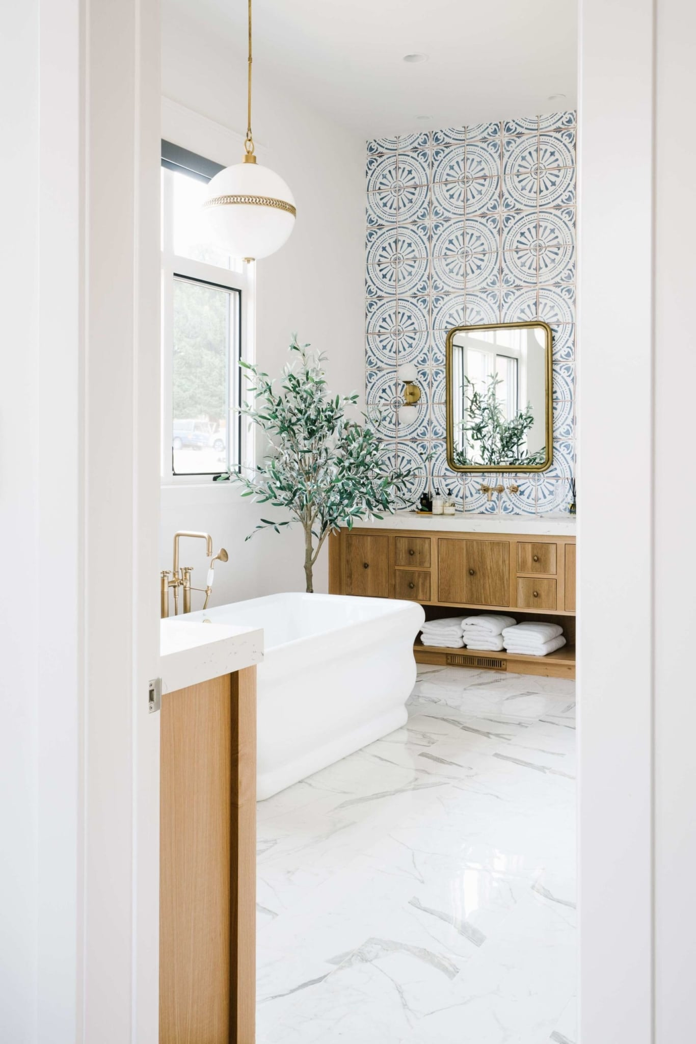House of Jade bathroom with blue and white tile